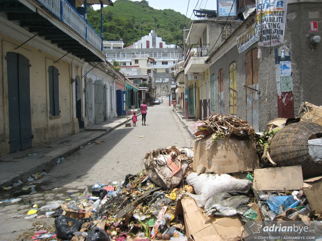 Trash in the street in Cap Haitian
